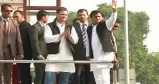 roadshow akhilesh with rahul
